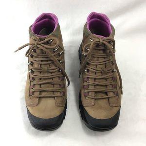 COLE HAAN NIKE AIR Waterproof Hiking Boots. Sz 5.5